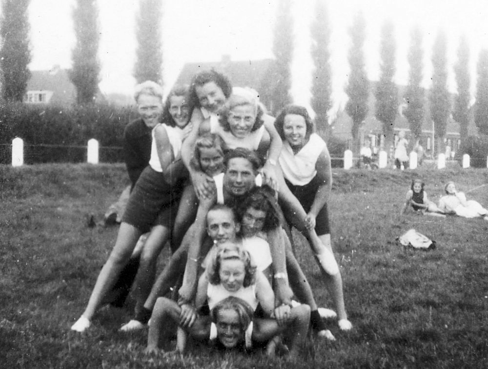 Gym en Athletiek Ver Hoofddorp 1949 op Concoursterrein 01