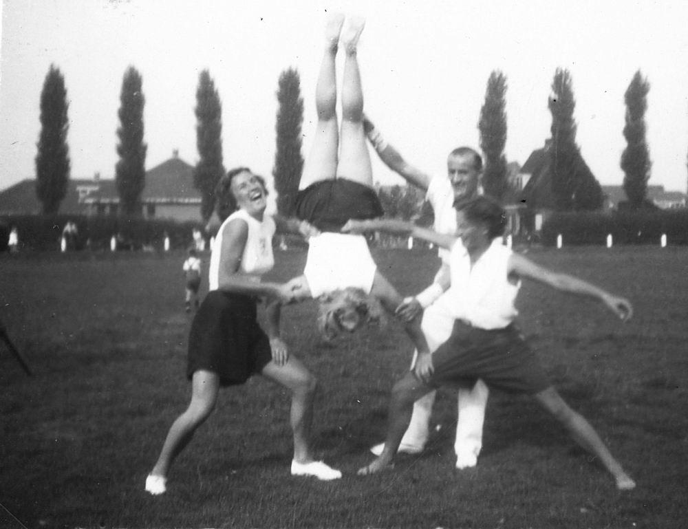 Gym en Athletiek Ver Hoofddorp 1949 op Concoursterrein 02