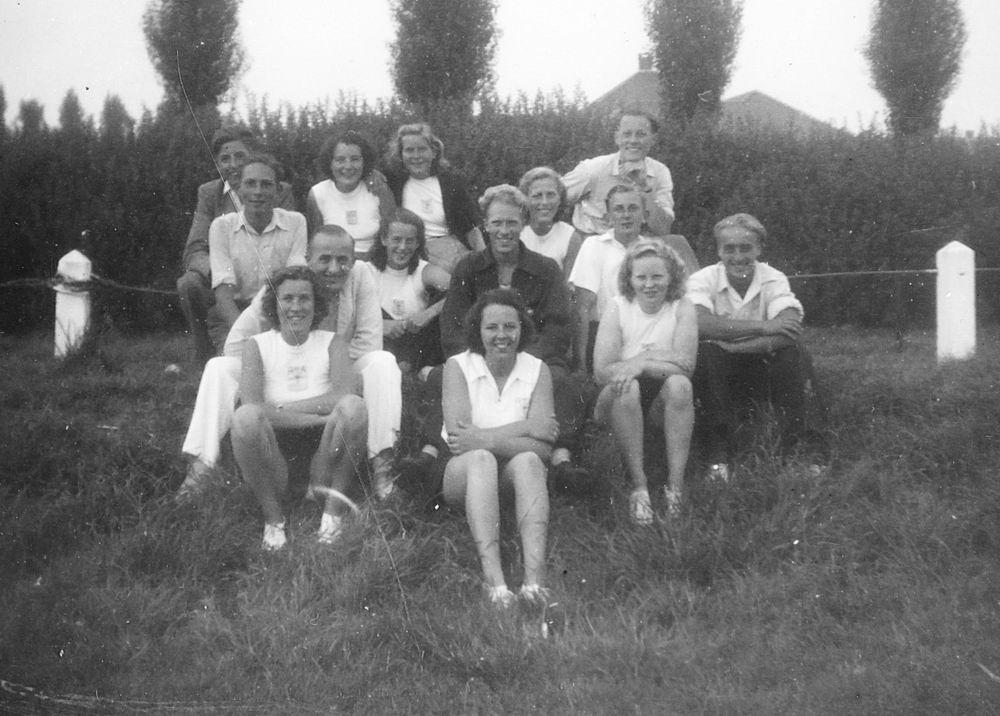 Gym en Athletiek Ver Hoofddorp 1949 op Concoursterrein 04