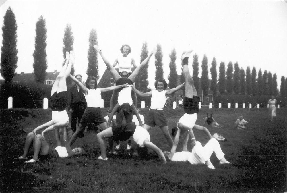 Gym en Athletiek Ver Hoofddorp 1949 op Concoursterrein 05