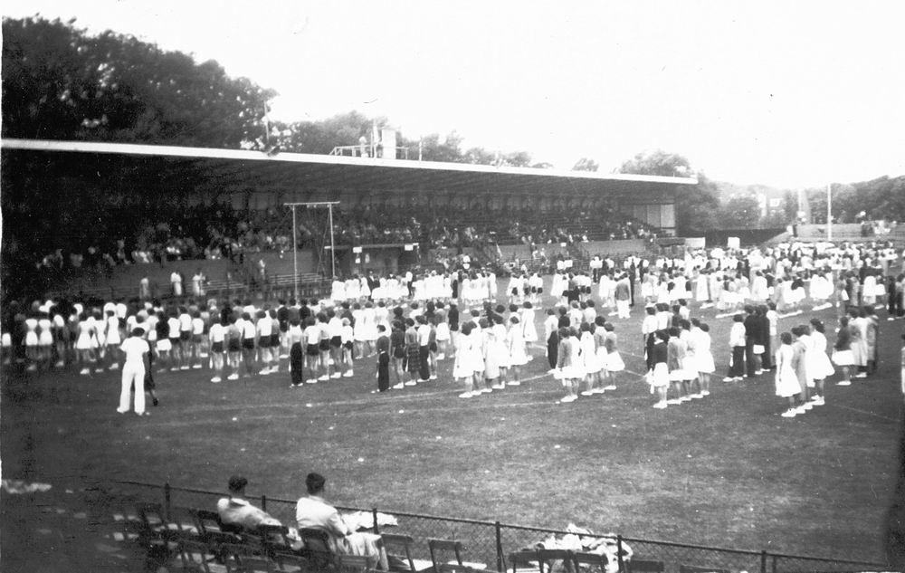 Gym en Athletiek Ver Hoofddorp 1952 KNAU Bondsfeest Den Haag 04