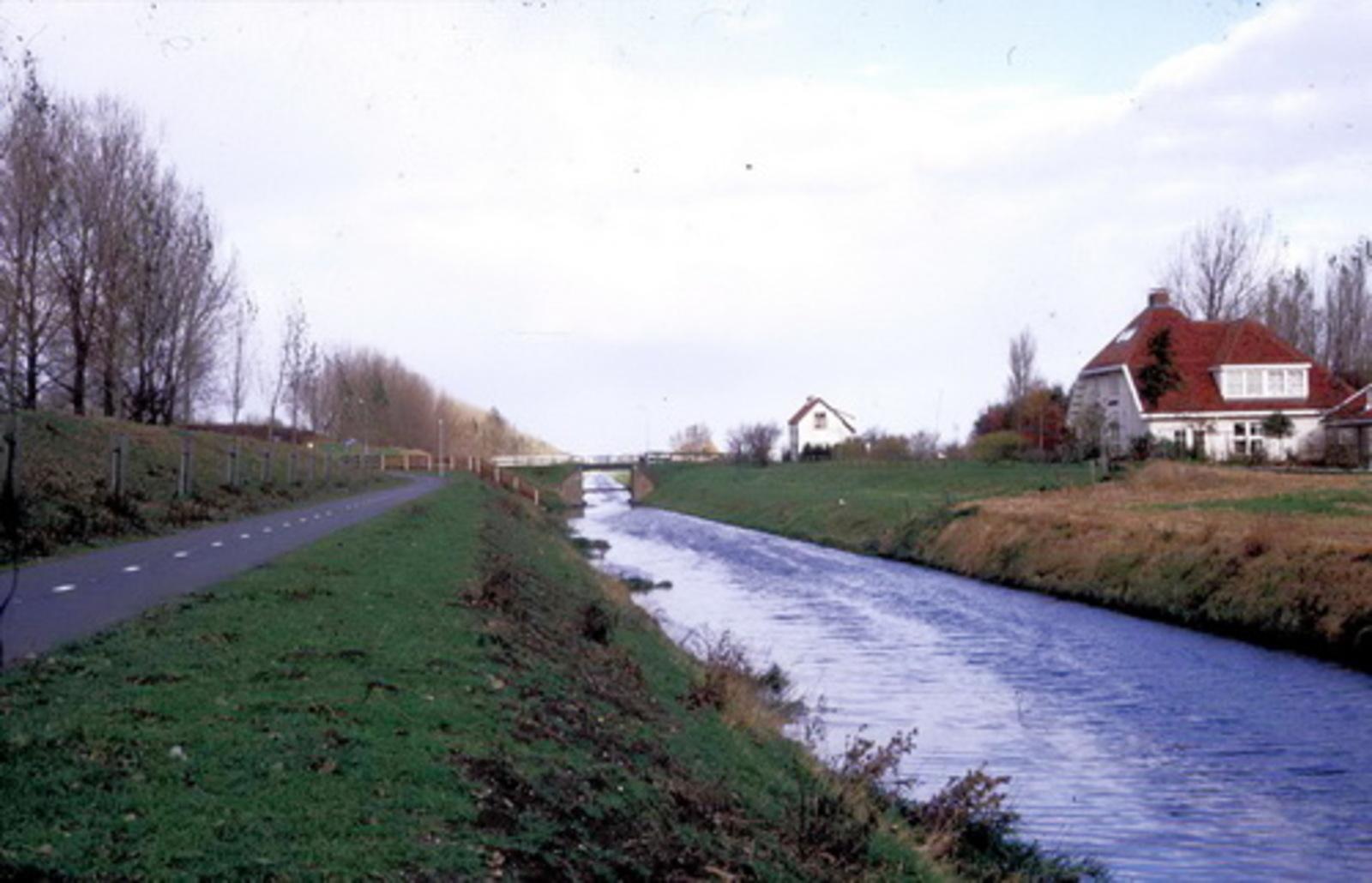 Haarlemmermeer Spoorlijn 197_ Spoorhuizen 8 en 9 aan IJweg
