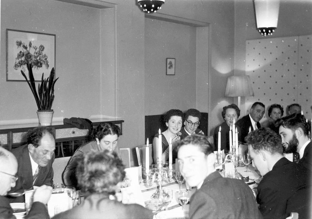 Heertje Arnold 1958 Trouwerij met familie Schreuders 01