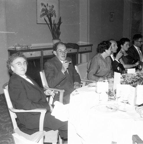 Heertje Arnold 1958 Trouwerij met familie Schreuders 02