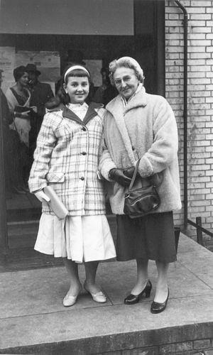 Heertje Arnold 1958 Trouwerij met familie Schreuders 03