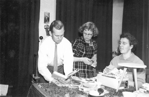 <b>ZOEKPLAATJE:</b>Helm Cornelis vd 1959 Gezin Sinterklaasavond