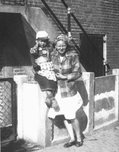 Helm Femmie vd 1948 Bejaardenrit naar Marken 01_2