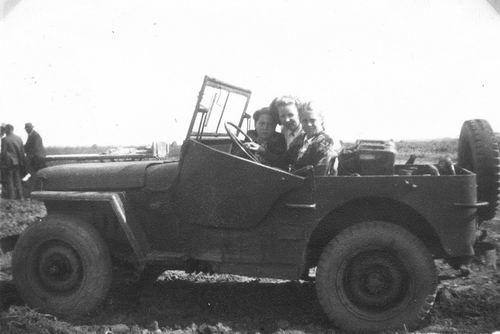 <b>ZOEKPLAATJE:</b>Helm Femmie vd 1948 Onbekend bij Claij 01