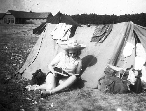 Helm Femmie vd 1949 met Vriendinnen op Texel 04