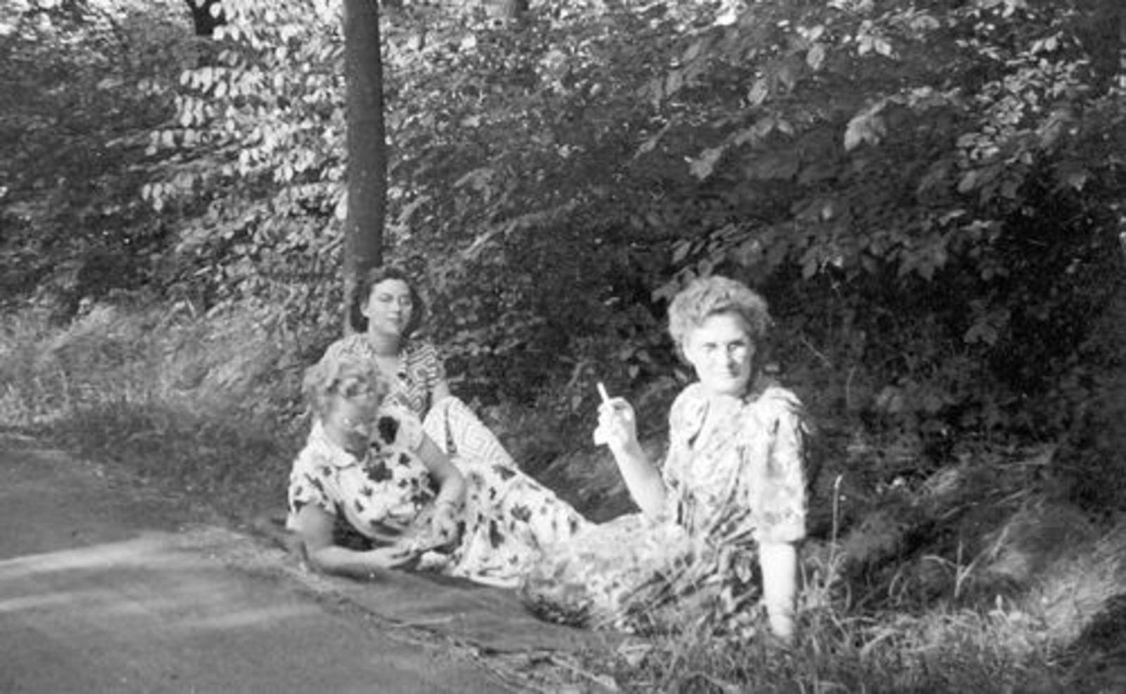 Helm Femmie vd 1952± Vakantie Belgie met Onbekend 02