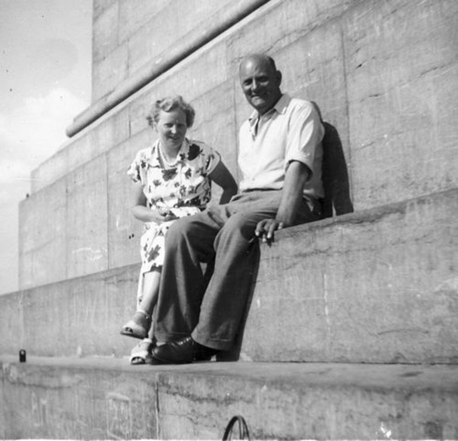 Helm Femmie vd 1952± Vakantie Belgie met Onbekend 06