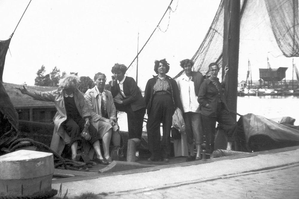 Helm Femmie vd 1953 Vakantie Nunspeet eo met Vriendinnen 13