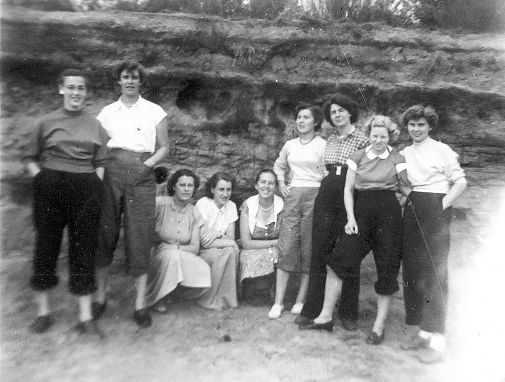 Helm Femmie vd 1953 Vakantie Nunspeet eo met Vriendinnen 24