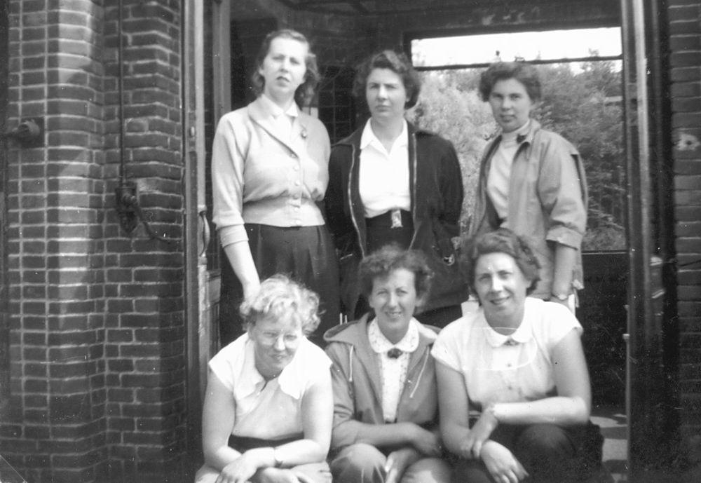 Helm Femmie vd 1955 Vakantie Eerbeek eo met Vriendinnen 07