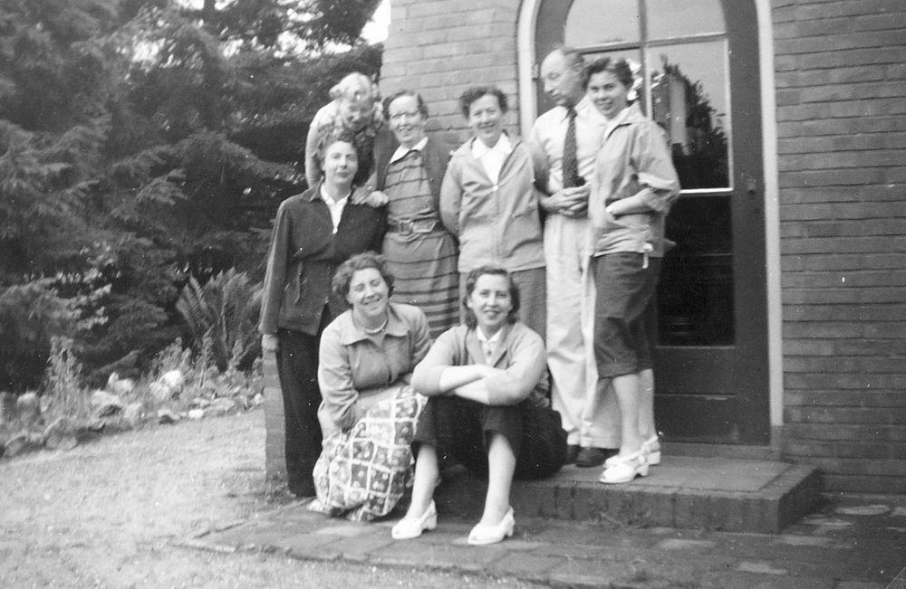 Helm Femmie vd 1955 Vakantie Eerbeek eo met Vriendinnen 11