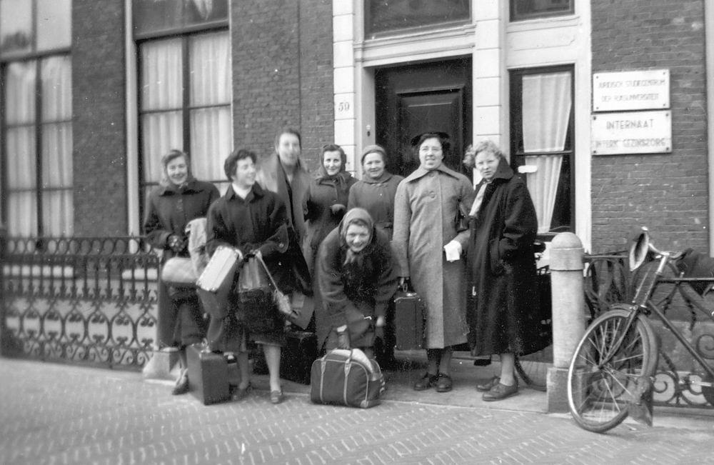 Helm Femmie vd 1956 Einde Opleiding in Leiden 02