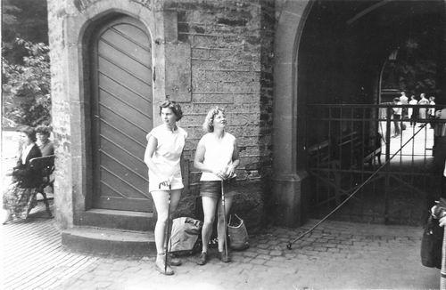 <b>ZOEKPLAATJE:</b>&nbsp;Helm Femmie vd 1958 Vacantie Slot Stolzenfels met Onbekend 01