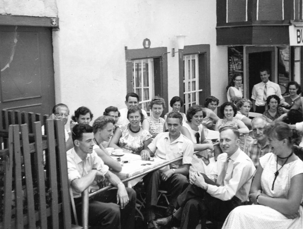 <b>ZOEKPLAATJE:</b>Helm Femmie vd 1958 Vacantie Slot Stolzenfels met Onbekend 02