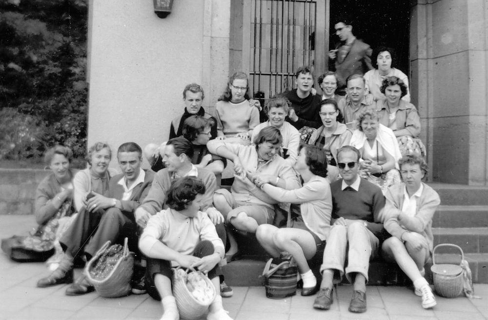 <b>ZOEKPLAATJE:</b>&nbsp;Helm Femmie vd 1958 Vacantie Slot Stolzenfels met Onbekend 06