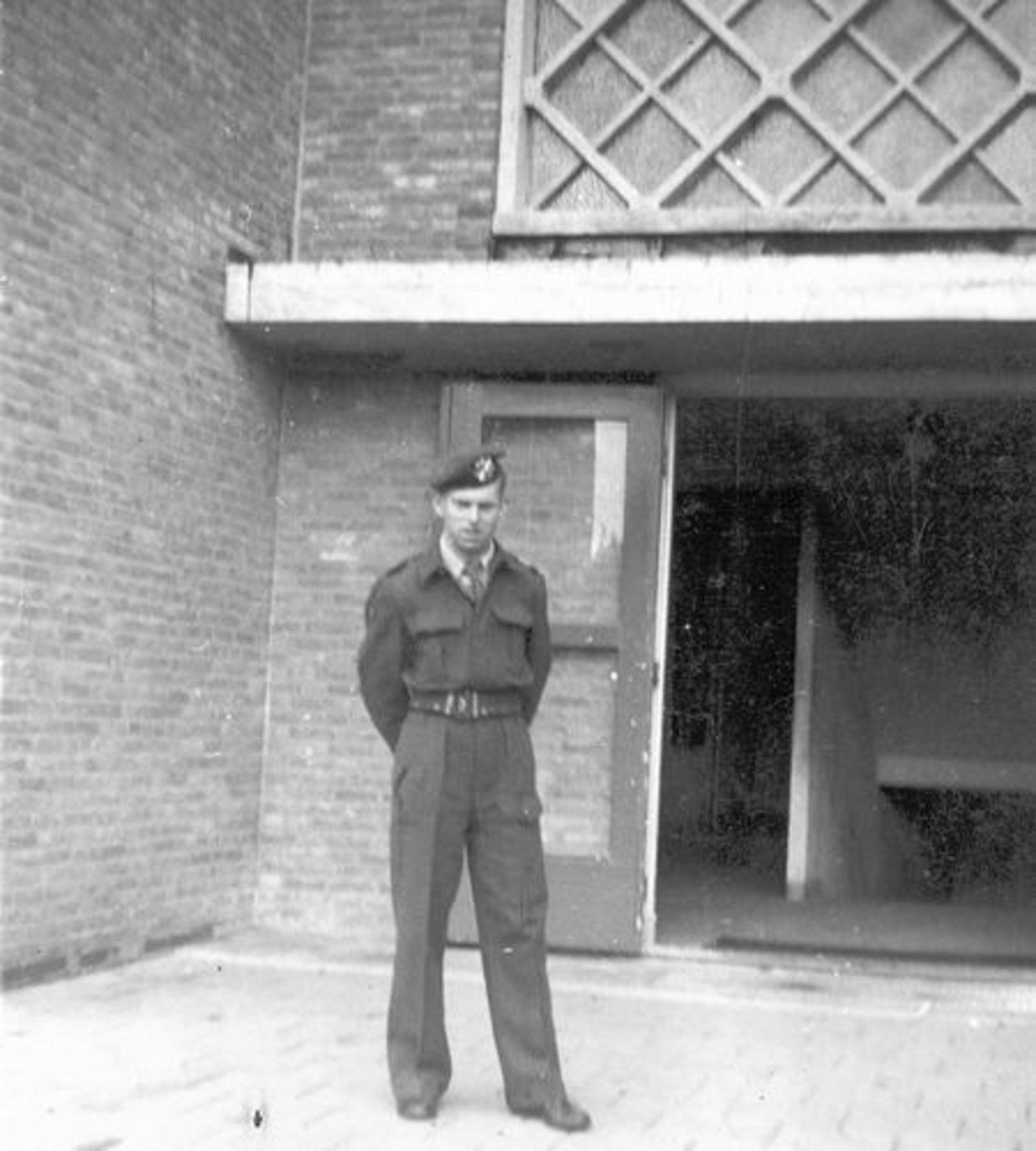 Helm Hans vd 1952± als Soldaat
