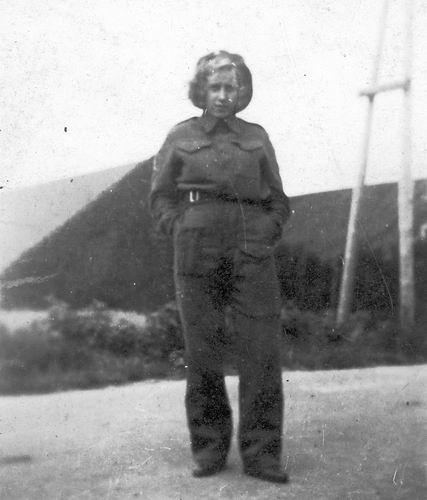 Heuvel-Verzaal Cornelia vd 1910 19__ dochter Trien