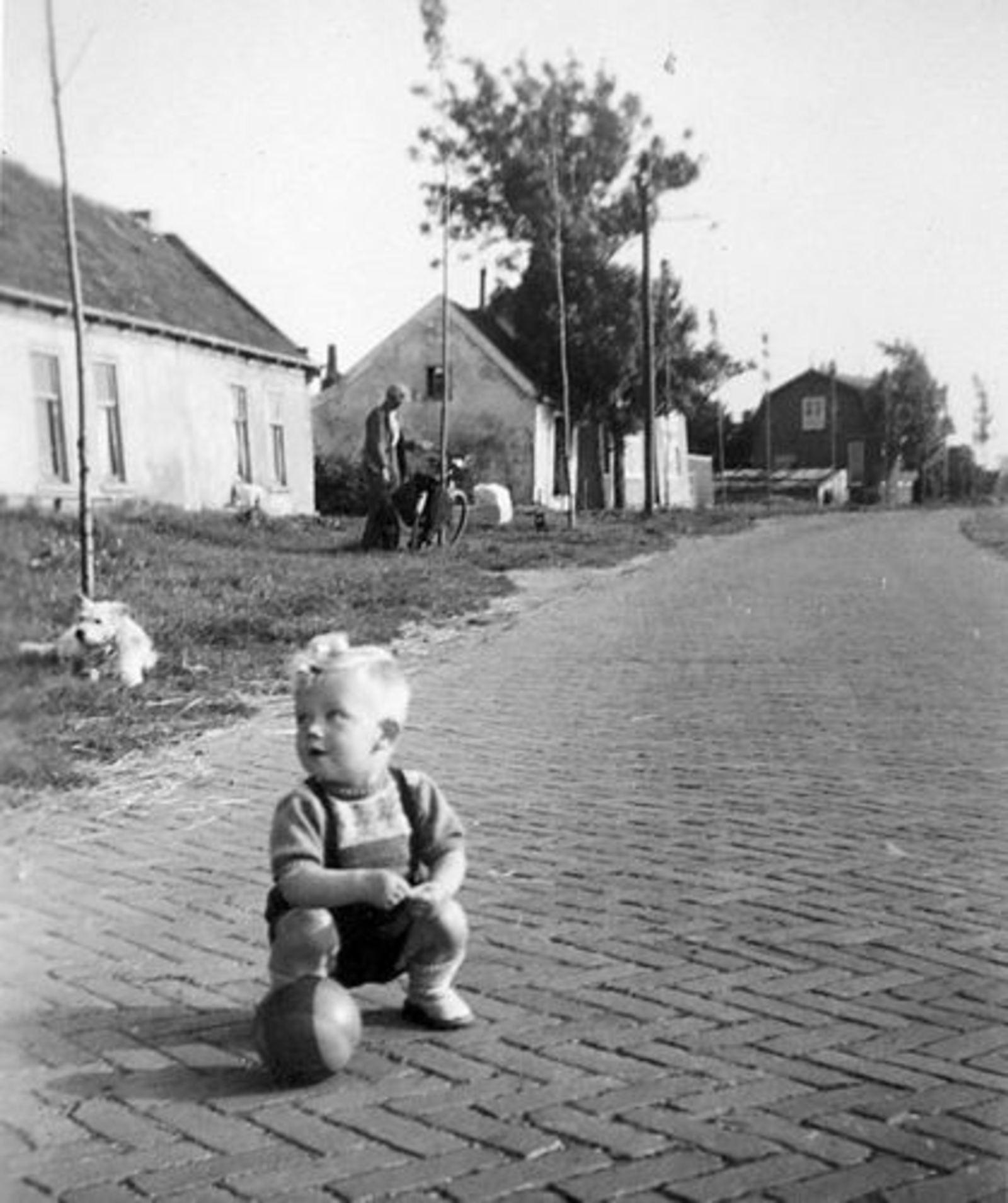 Hillegommerdijk 0583- 1946± met Robbie Huneman 03
