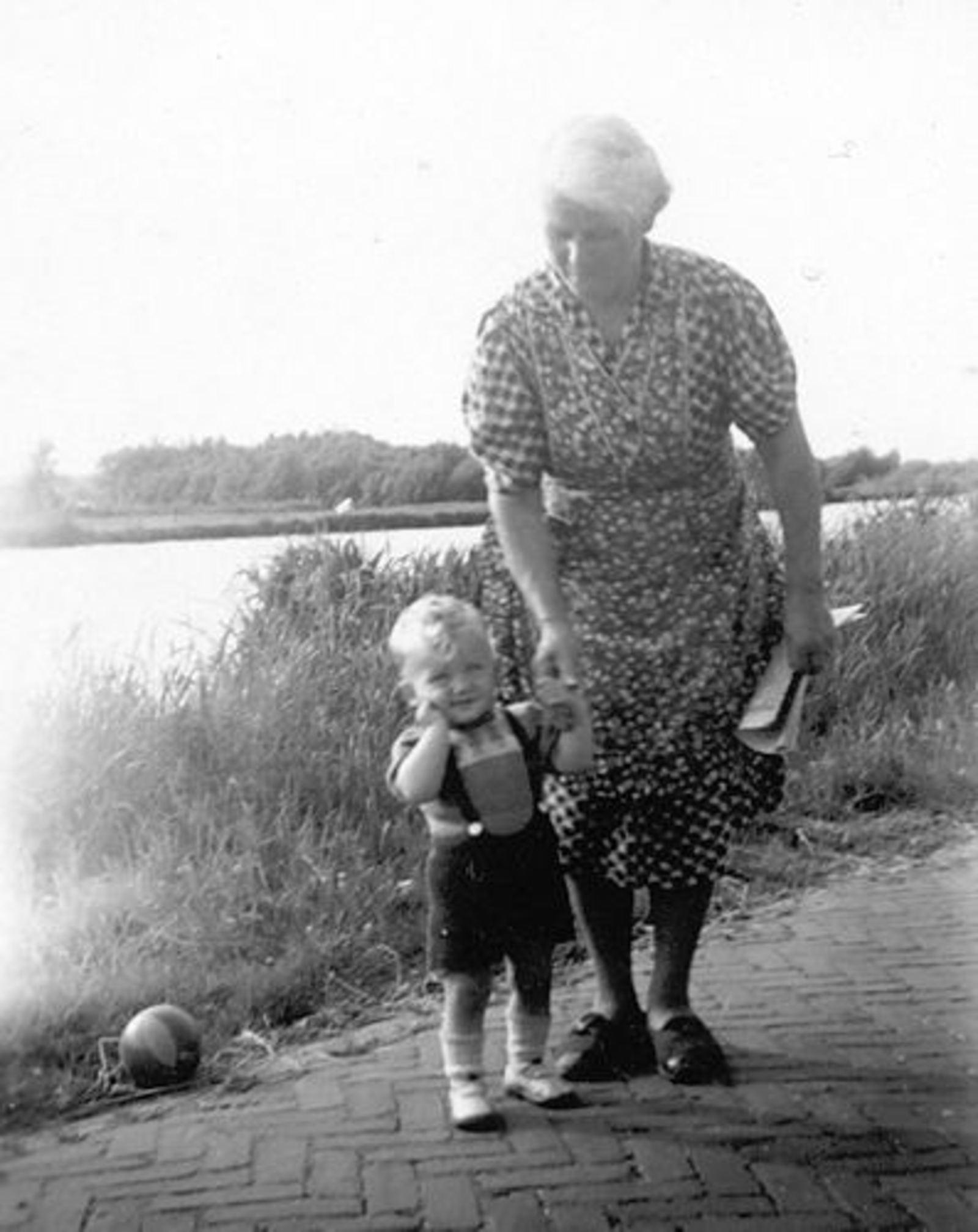 Hillegommerdijk 0583- 1946± met Robbie Huneman 04