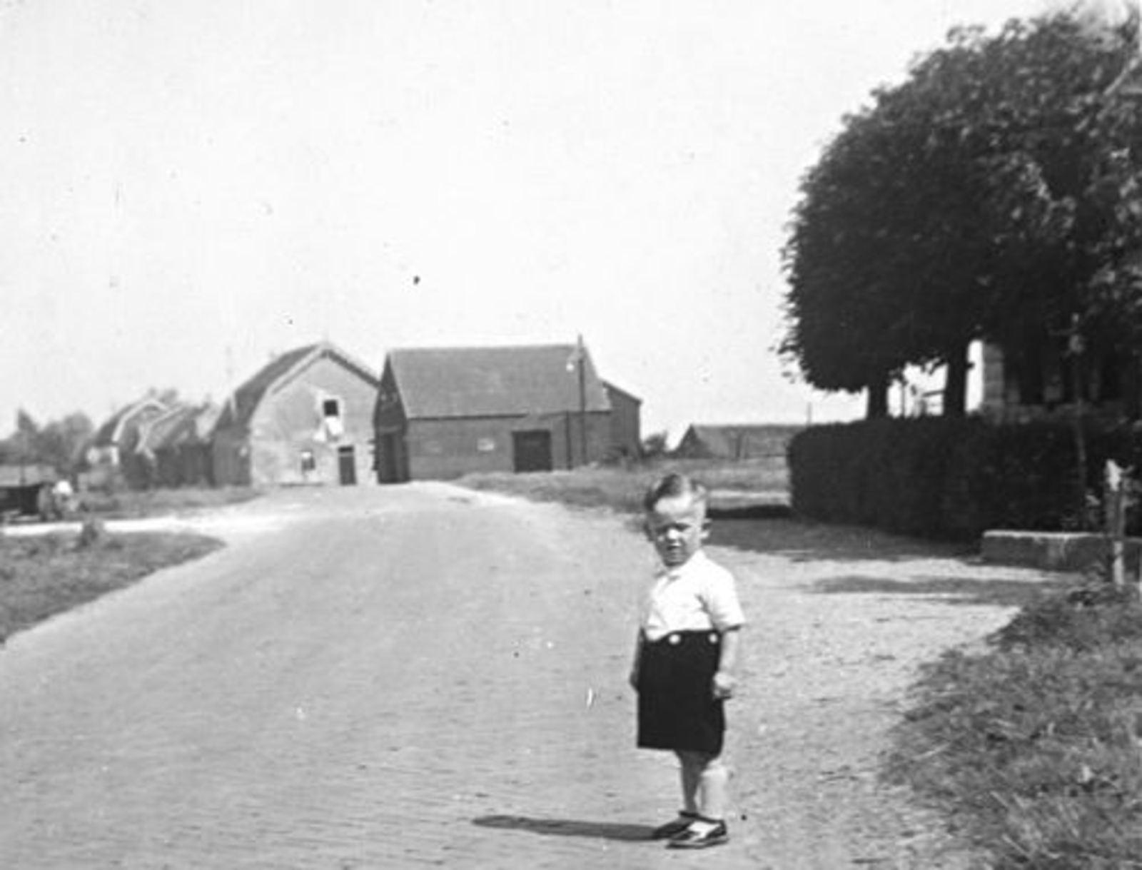 Hillegommerdijk 0590+ 1948± met begin Bennebroekerdijk