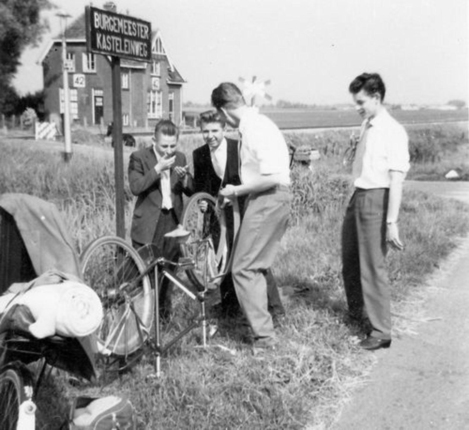 Hmeer Spoorlijn 41 1957± Wachterswoning bij Legmeerdijk