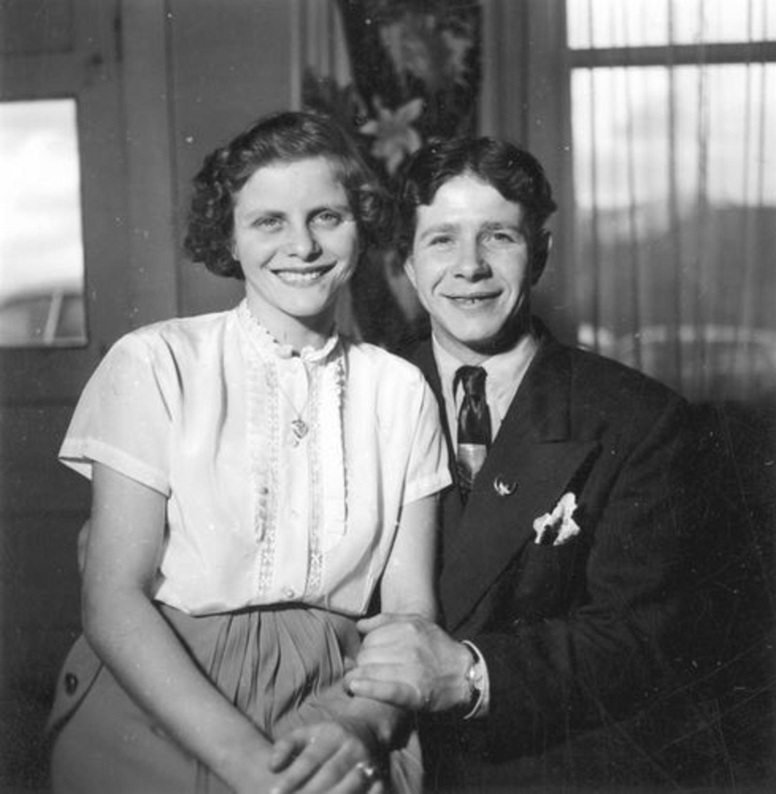 Holster Nel 1953 met Onbekend