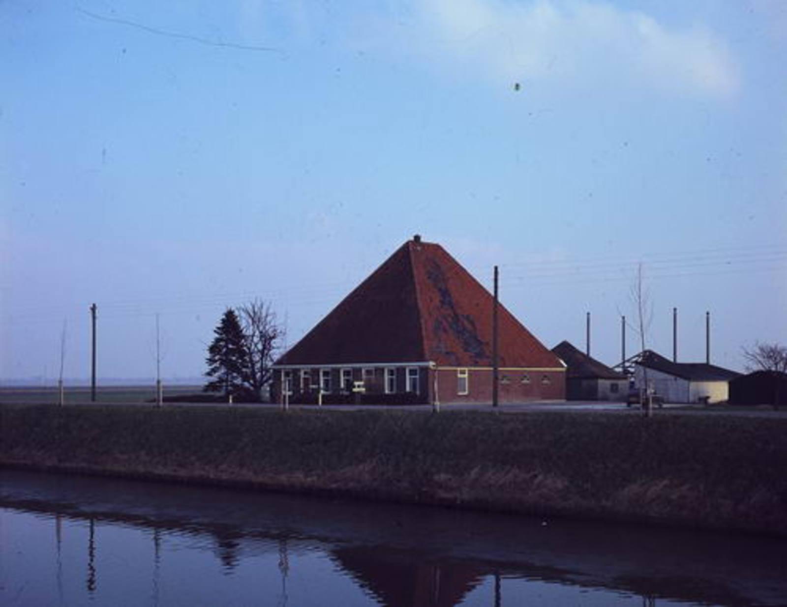 Hoofdweg O 0322 1980 boerderij Boomkamp 02
