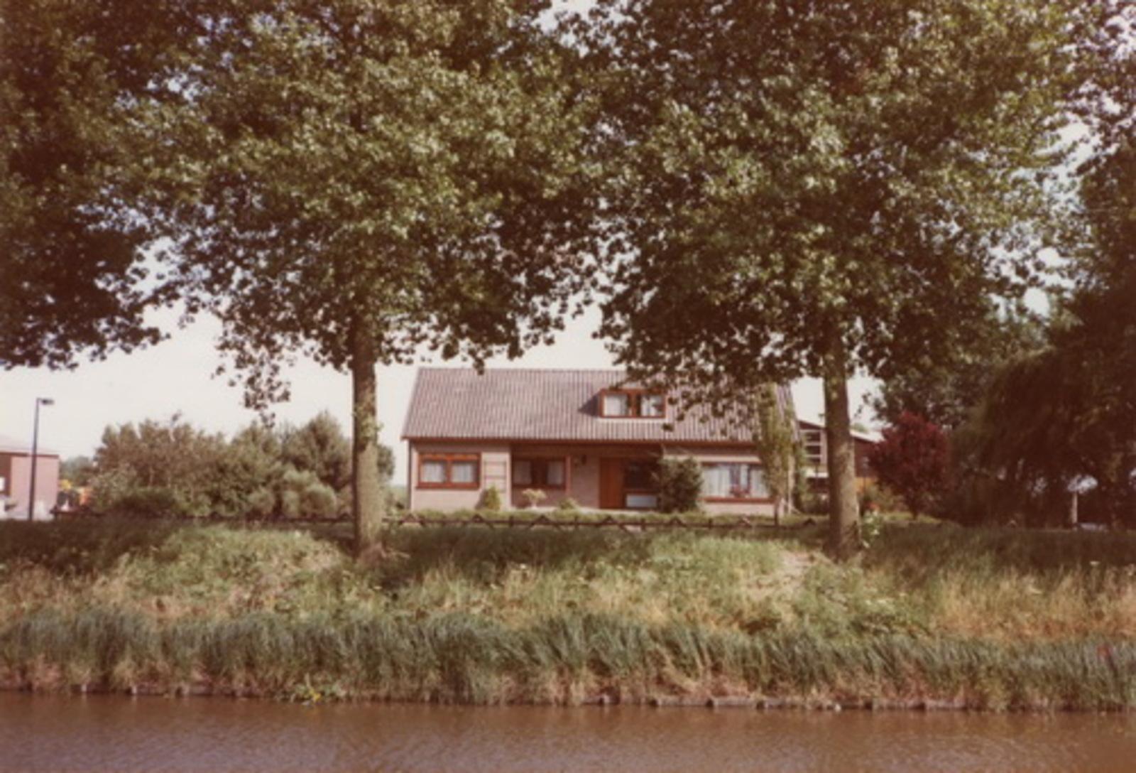 Hoofdweg O 0420 1983 huize fam Joop v Diemen 01