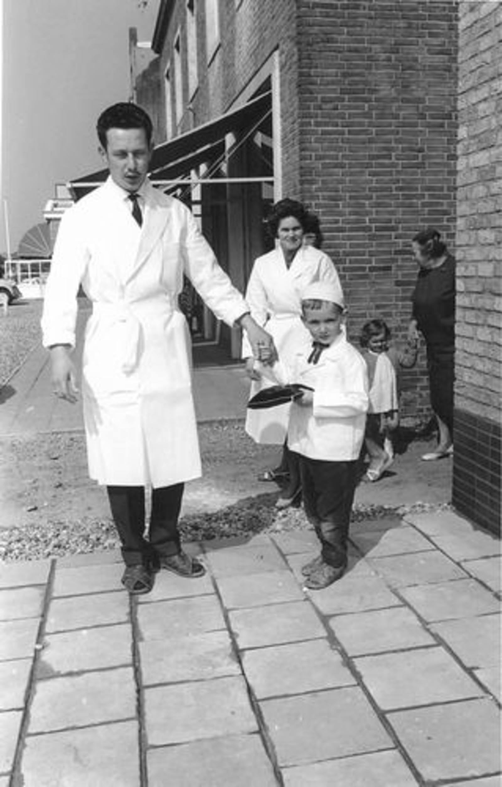 Hoofdweg O 0716 1961± Slagerij Piet de Koning Heropening 00