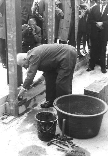 Hoofdweg O 0726 1969 Eerste Steen Nieuwe Winkel 03