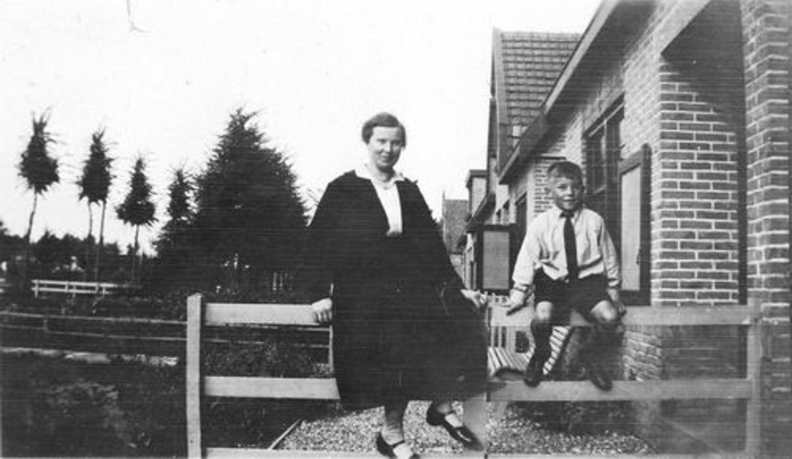 Hoofdweg O 1248 1930± met fam Arie Stout 04