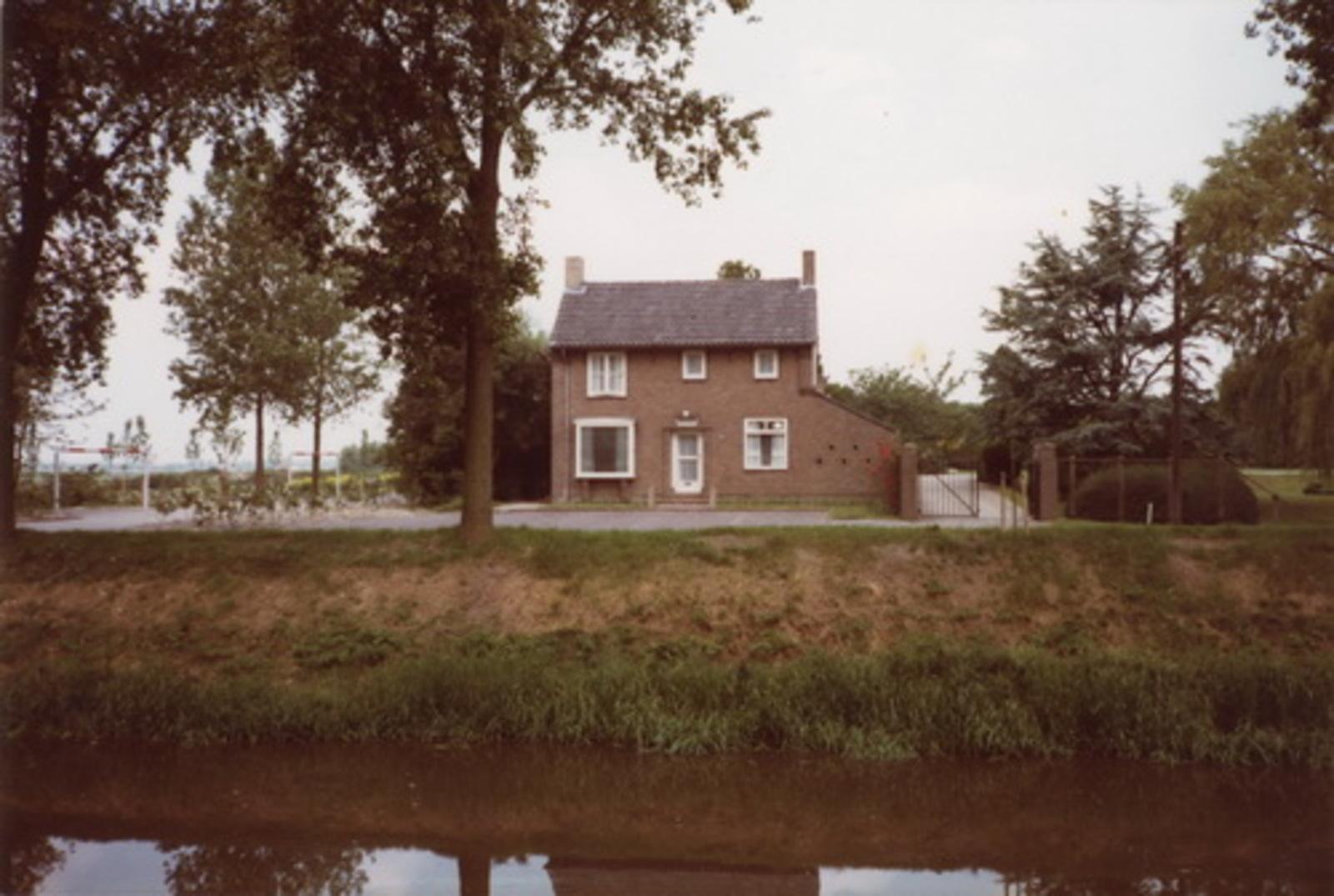 Hoofdweg W 0395 1983 Huis met Baarruimte 01