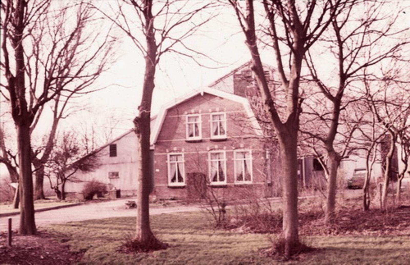 Hoofdweg W 0457 197_ boerderij Verwoerd