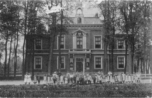 Hoofdweg W 0671 1907 Raadhuis Kindergroep