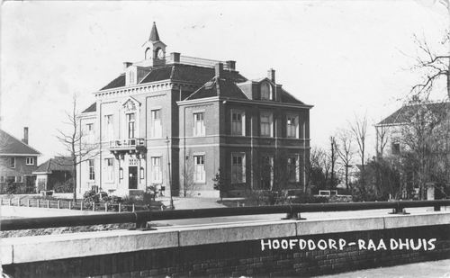 Hoofdweg W 0671 1934 Raadhuis vanaf Brug