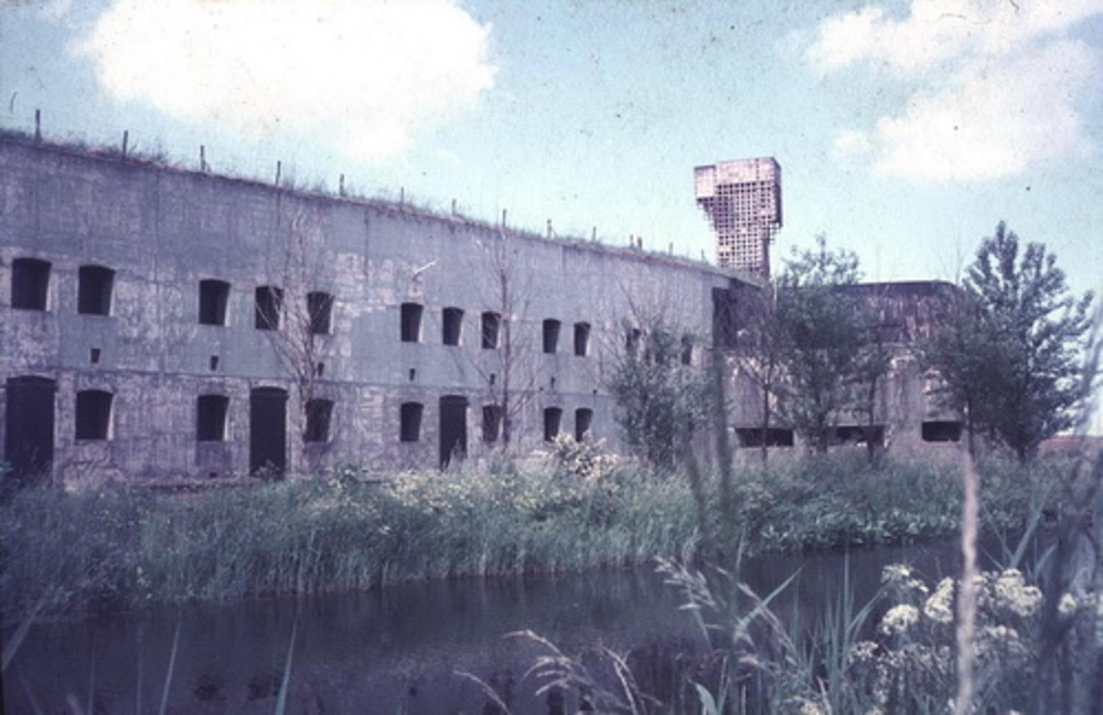 Hoofdweg W 073_ 197_ Fort met uitkijktoren 01