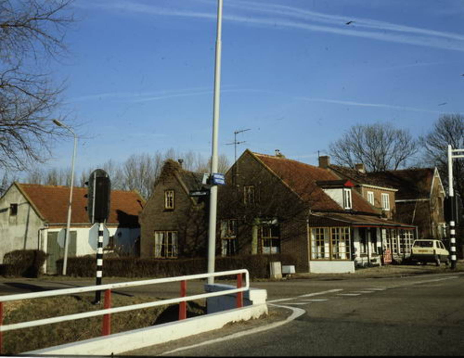 Hoofdweg W 0901 1982 voormalig cafe Slot