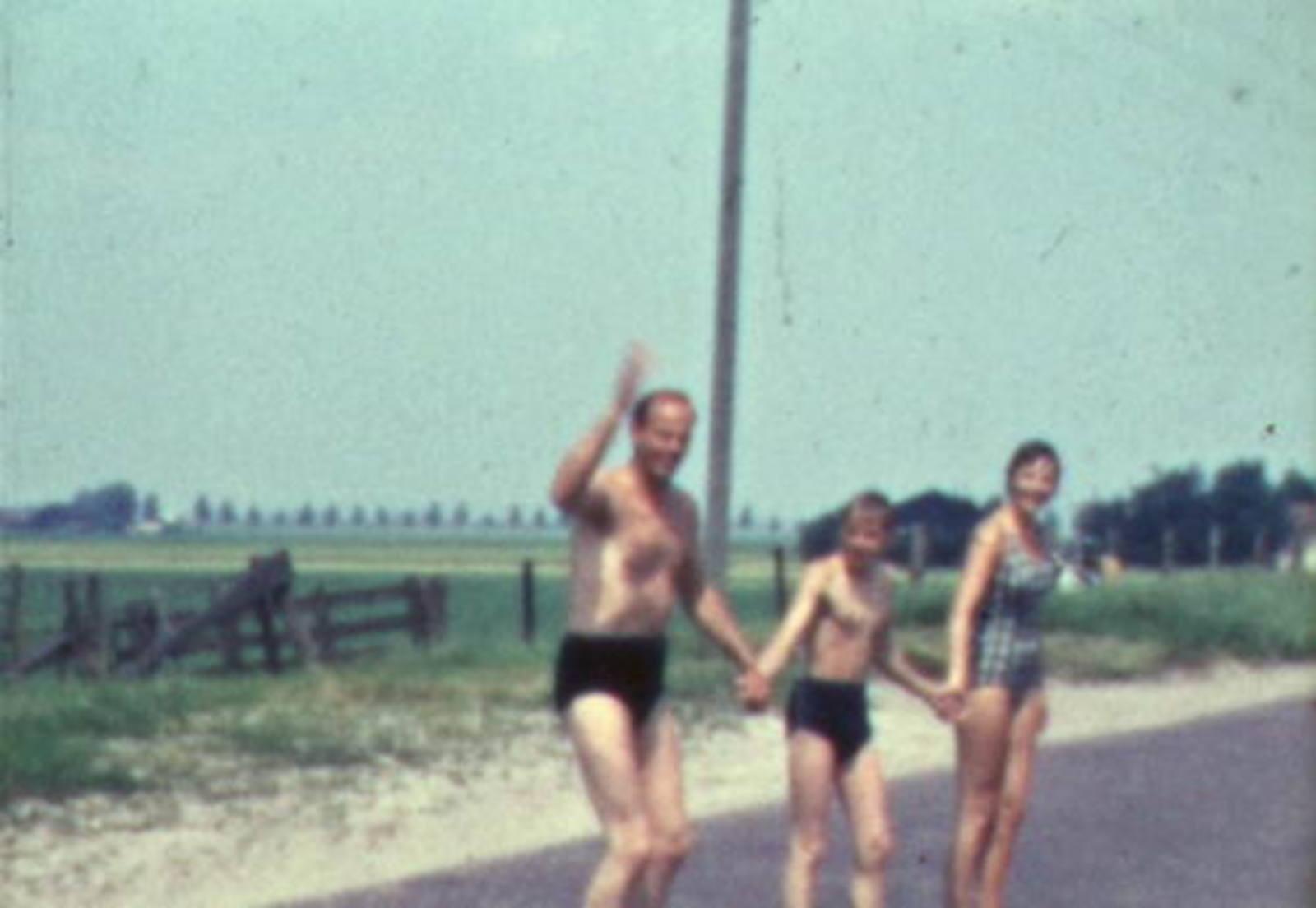 Huigsloterdijk 0108± 1960-63 Fam Roodenburg zewmt in Ringvaart 01