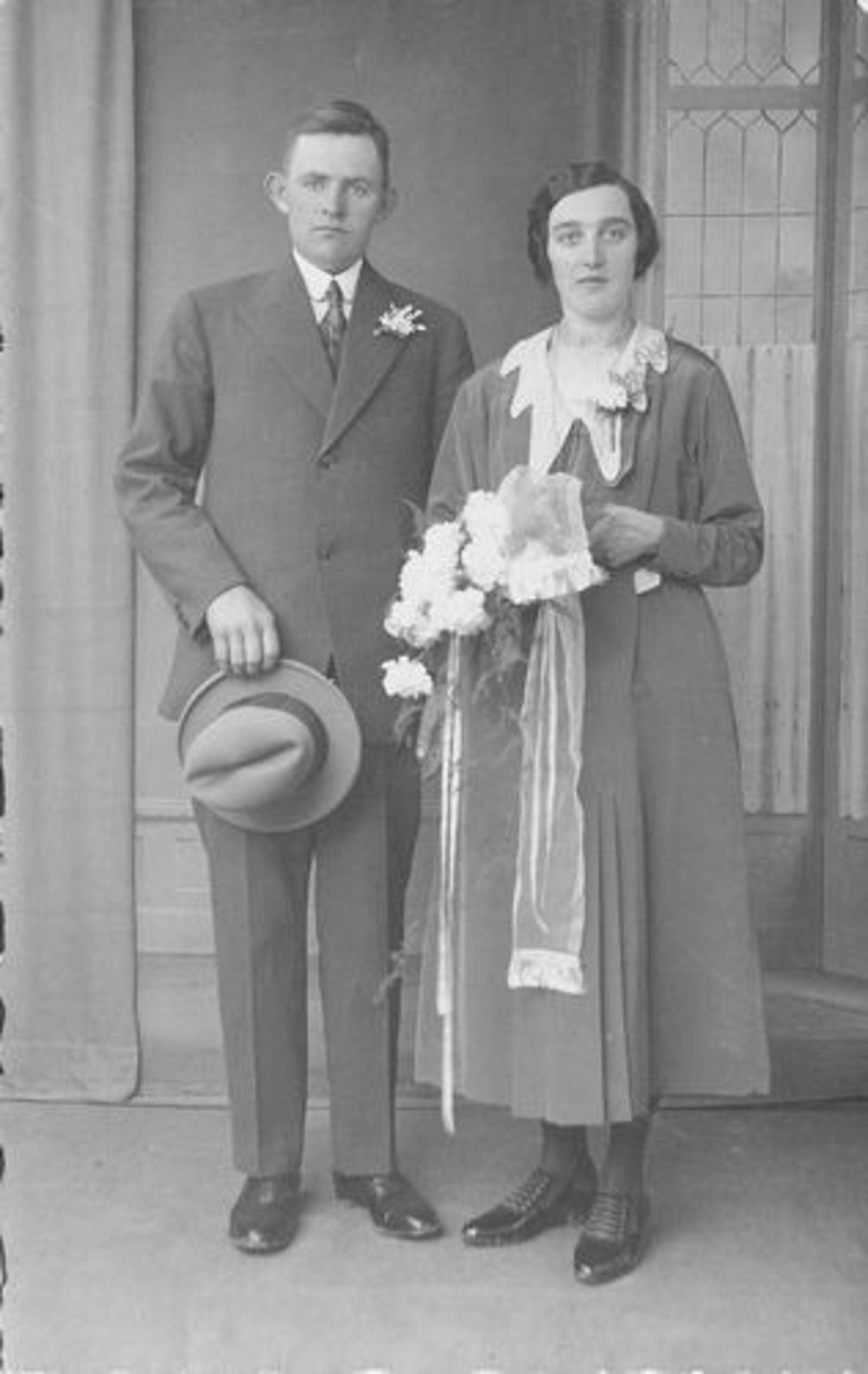 Hulst Adrianus A 19__ trouwt Johanna G Koeckhoven 00
