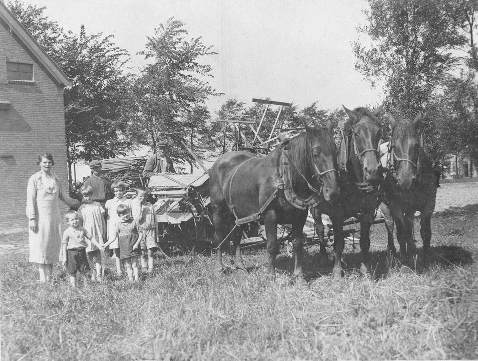 IJweg O 0820 1938 met fam Koeckhoven