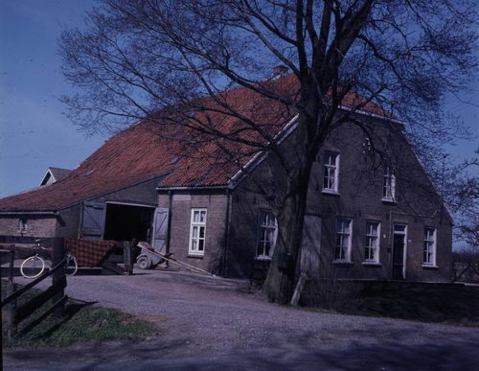 IJweg W 1055 1979 fam vd Heuvel 01