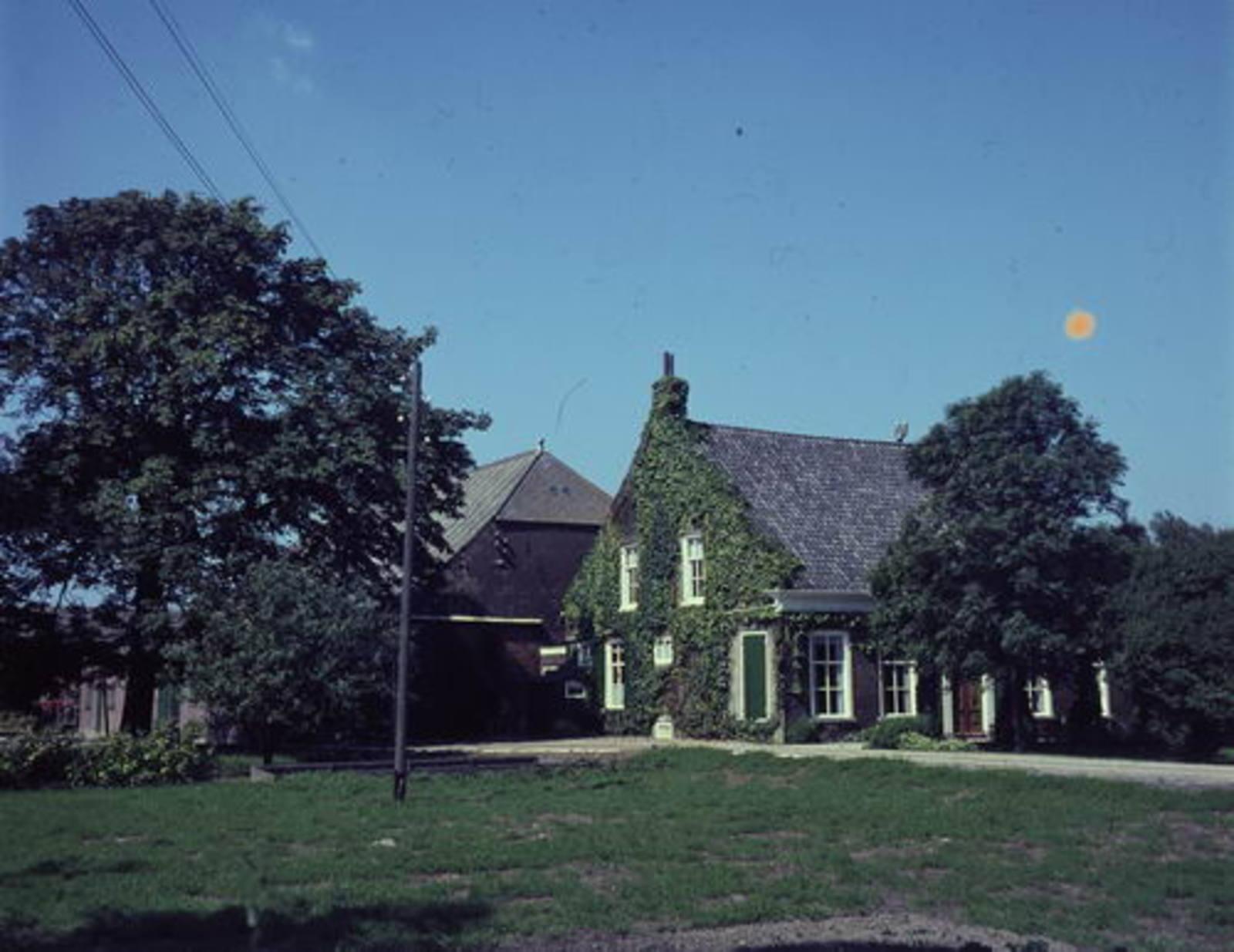 IJweg W 1129 19__ boerderij Huis De Dongen 02