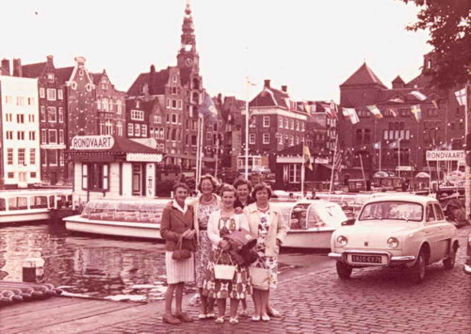Imanse - Bliek Leentje 1920 1960+ met Kaartclub de Jokervrouwen in Amsterdam 04