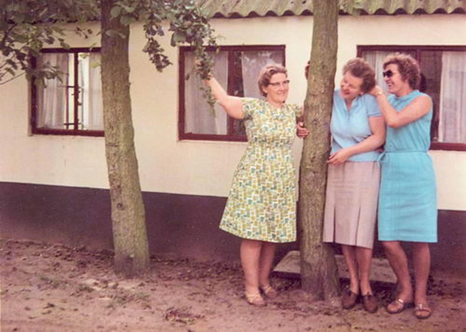 Imanse - Bliek Leentje 1920 1966 met Kaartclub de Jokervrouwen in Putten 04