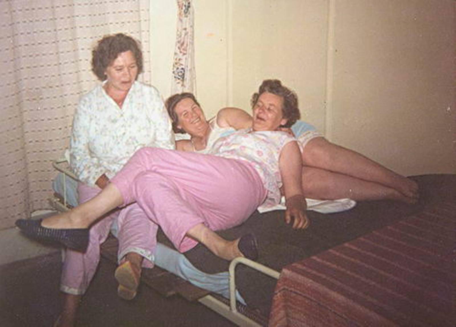 Imanse - Bliek Leentje 1920 1966 met Kaartclub de Jokervrouwen in Putten 11