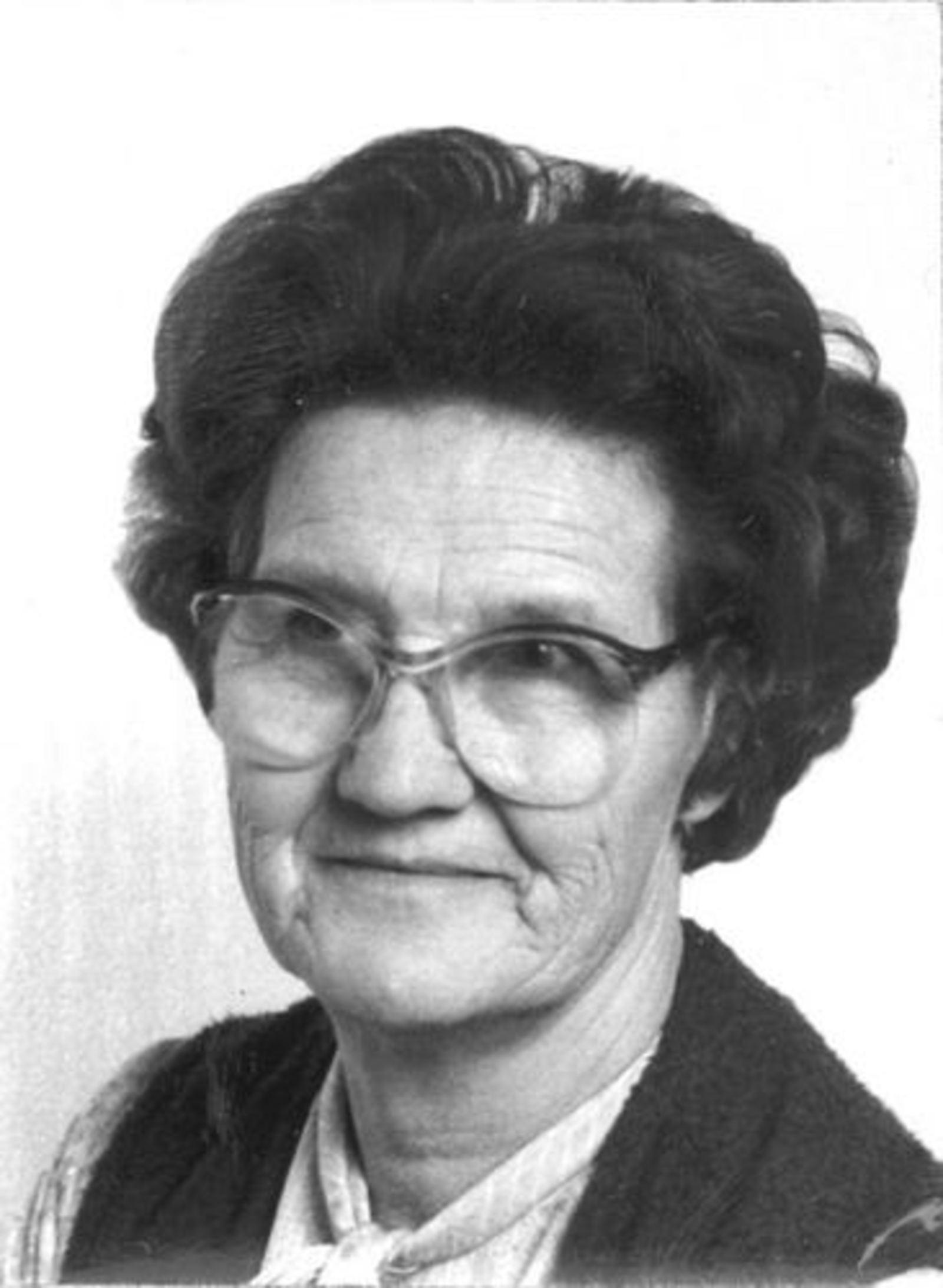 Imanse - Bliek Leentje 1920 1984 Pasfoto